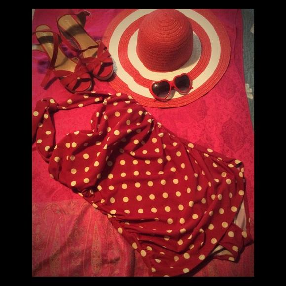 938a14ce27c Esther Williams Beach Blanket Bingo Swimsuit. M 5b0b215046aa7c9eb1325dbf